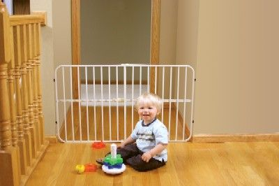 Regalo Guardian Metal Expandable Baby Pet Safety Gate